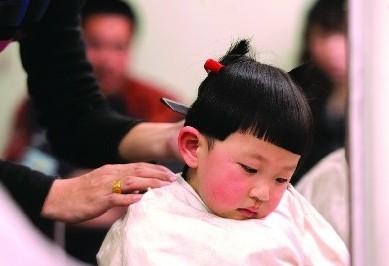 """传统节日""""二月二""""剃头"""