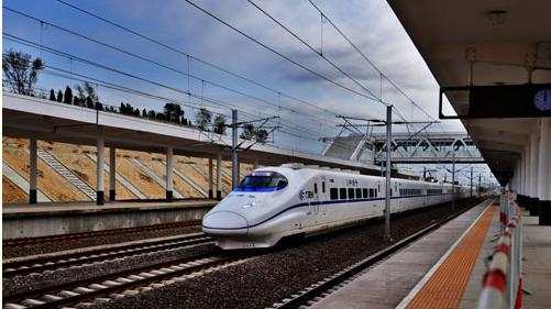 青荣城际铁路的建设将对半岛地区经济结构的调整