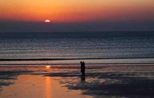 微信头像两个人背影 看海