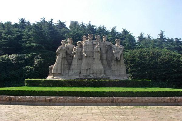 红色革命旅游景点_红色革命旅游景点乔尔玛革命烈士陵园_甜蜜