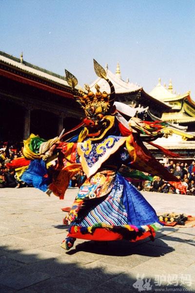 2012春节旅游 青海塔尔寺--夜幕轻垂