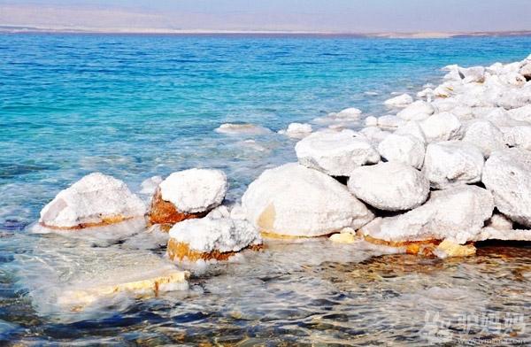 约旦死海 美丽而神奇的水域1