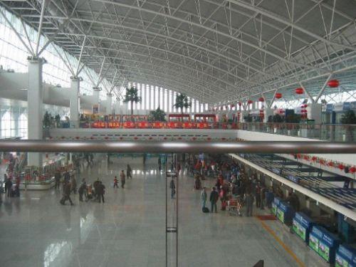 堡国际机场(国际空运协会代号:urc;国际民航组织