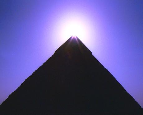 埃及卡夫拉金字塔_卡夫拉金字塔介绍_卡夫拉