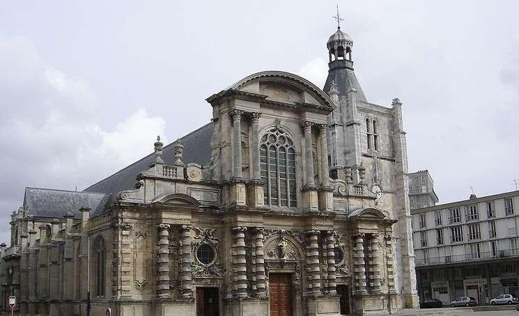 木头积木搭建教堂