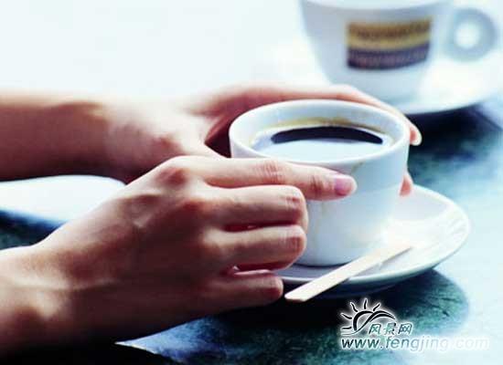 OL办公室的旅游咖啡黑妙招边喝边减脂_减肥天吃一多少减肥虾合适图片