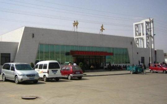 神木火车站位于陕西省北部的神木县