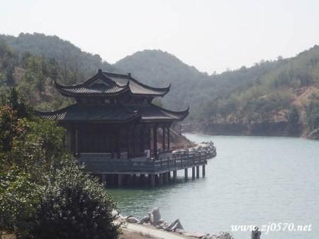 常山东明湖公园