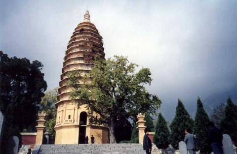 嵩岳寺塔3